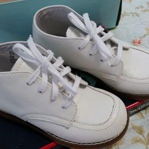 Footmates White Leather Baby Walking Shoes 8 W